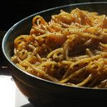 spaghetti aglio e pepperoncino in a bowl